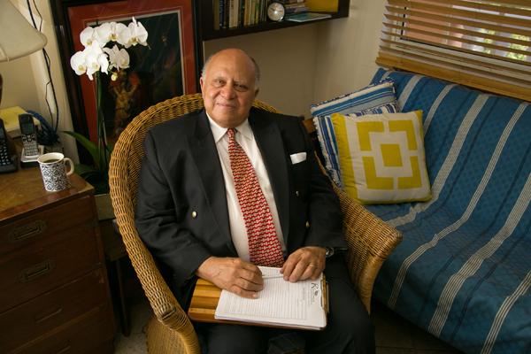 Portrait of Dr David Allen
